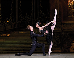 Paramount Presents: The Royal Ballet in HD – Swan Lake