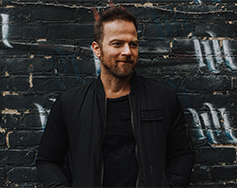 Starr Hill Presents: Kip Moore – Room to Spare: Acoustic Tour