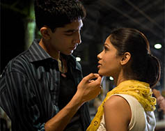 Paramount at the Movies Presents: Slumdog Millionaire [R]